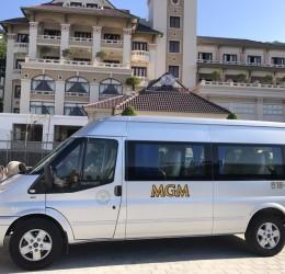 Cùng bạn bè chung hưởng dịch vụ thuê xe 16 chỗ đi Tà Pao giá siêu rẻ