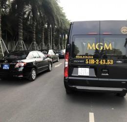 Thuê xe du lịch 16 chỗ đi nội thành Sài Gòn