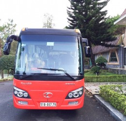 Cùng các chiến hữu thân thiết thuê xe 16 chỗ đi Ninh Chữ