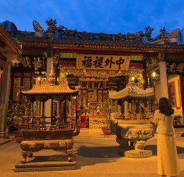 Thuê xe đi Chùa đầu năm - Nét đẹp văn hóa người Việt