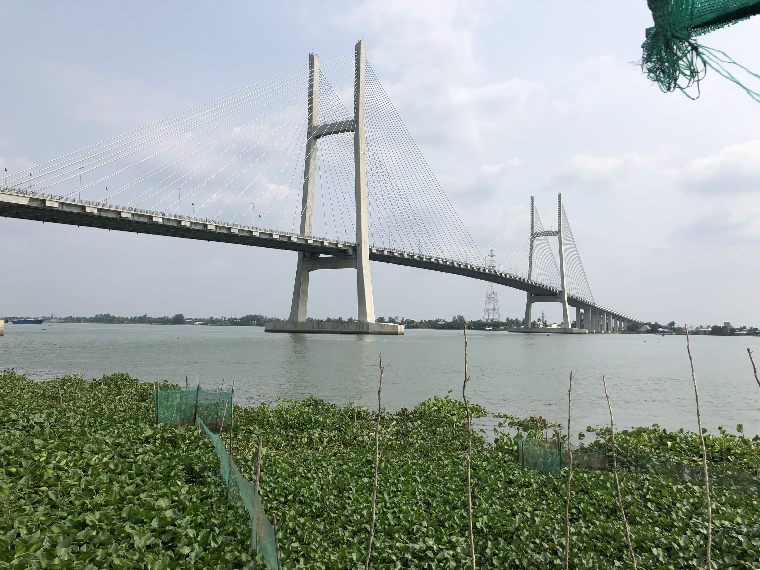 Cầu Cao Lãnh trên đường đi đến Châu Đốc