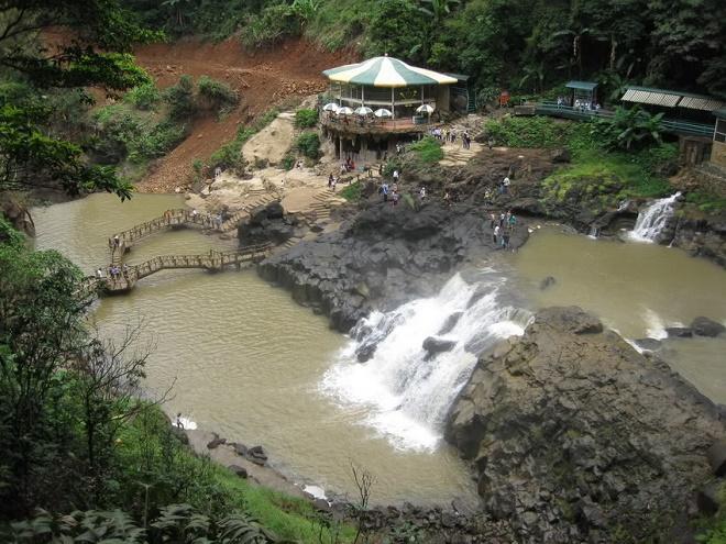 Đường vào thác Dambri - thuê xe 16 chỗ đi thác Dambri