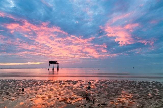 Bãi biển Tân Thành có vẻ đẹp hoang sơ