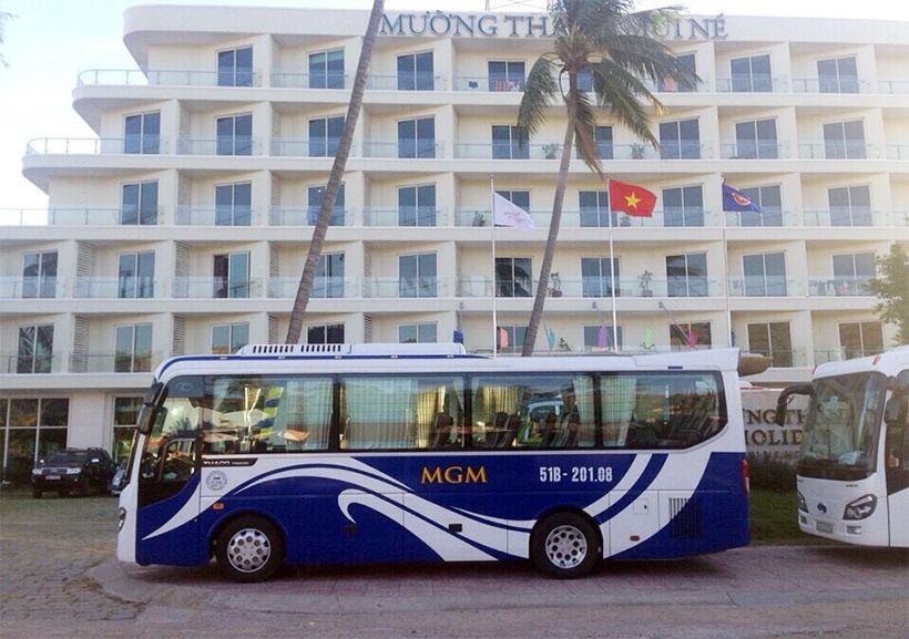 Xe MGM chở khách du lịch Phan Thiết