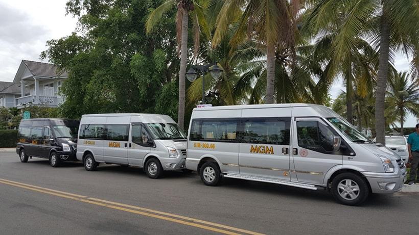 Dàn xe 16 chỗ của mgm phục vụ hội nghị khách hàng