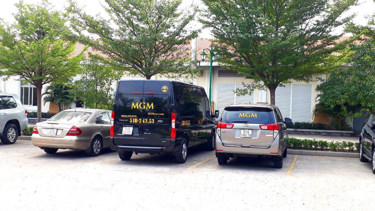 MGM chuyên cho thuê xe 16 chỗ đi chơi Tết