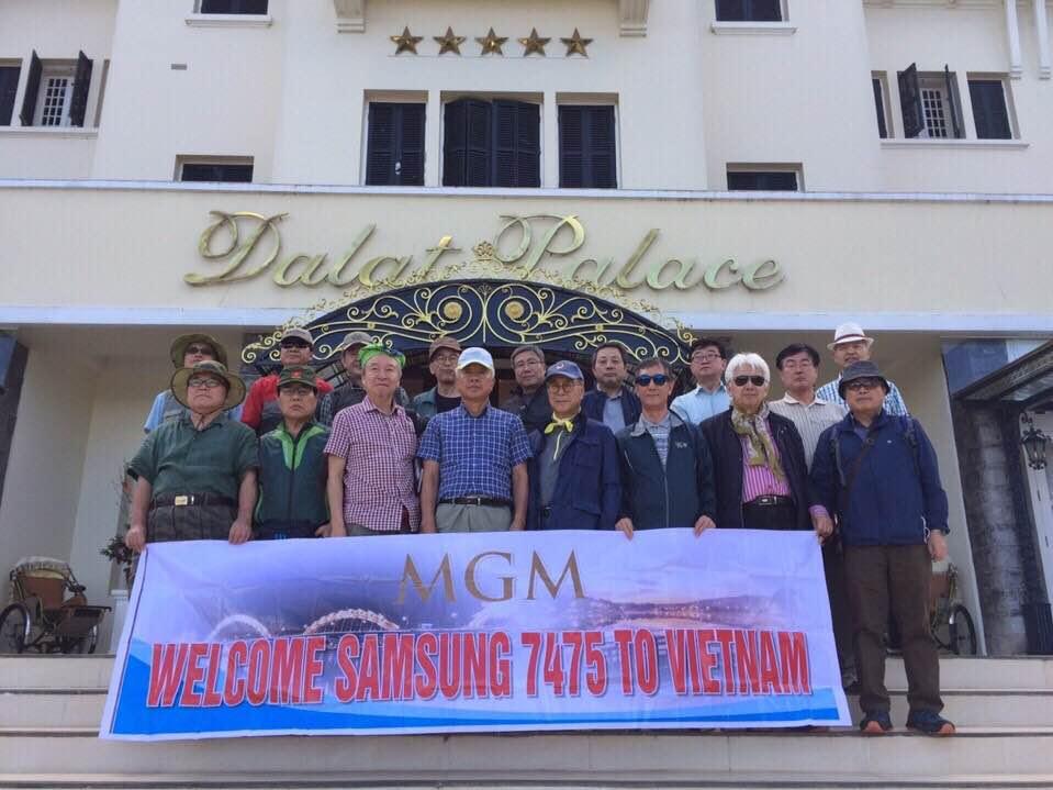 Những khách hàng ngoại quốc đã sử dụng xe của MGM tham quan Việt Nam