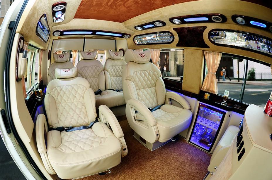 Nội thất xe đời mới và đảm bảo tiện nghi cho quý khách