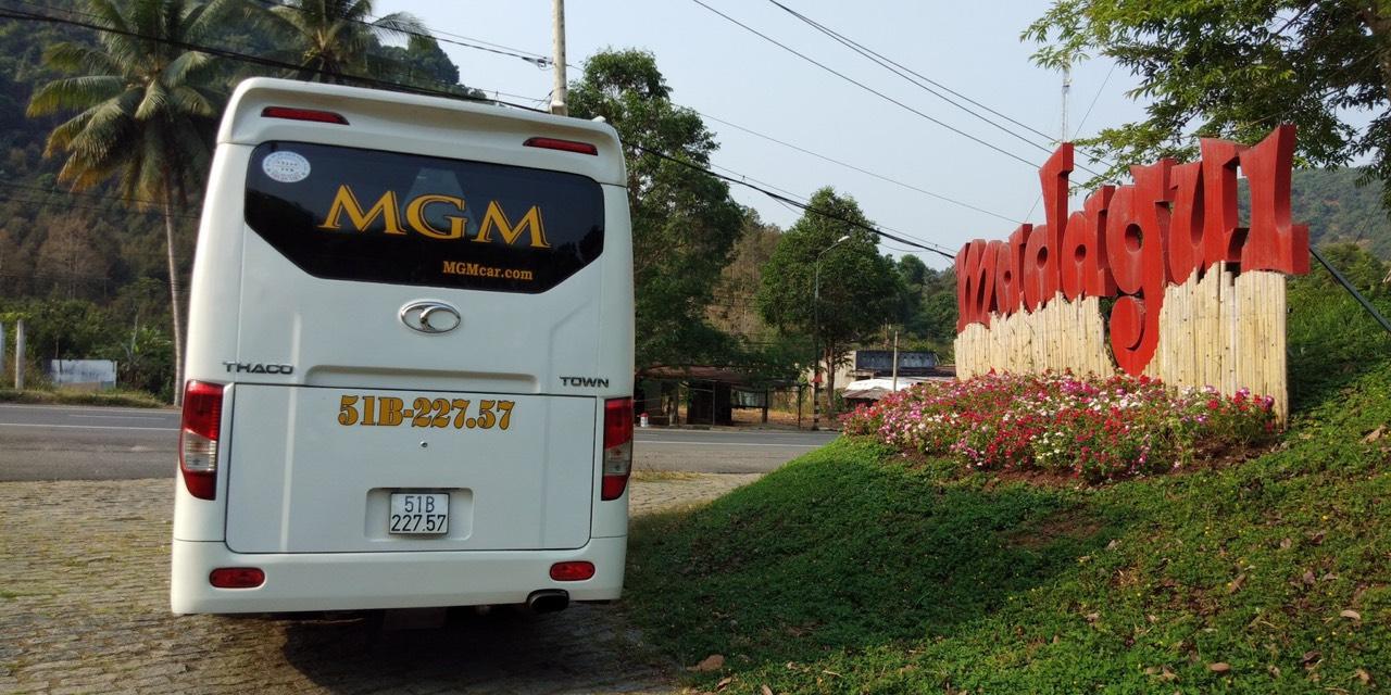 MGM chuyên cho thuê xe du lịch 29 chỗ chất lượng