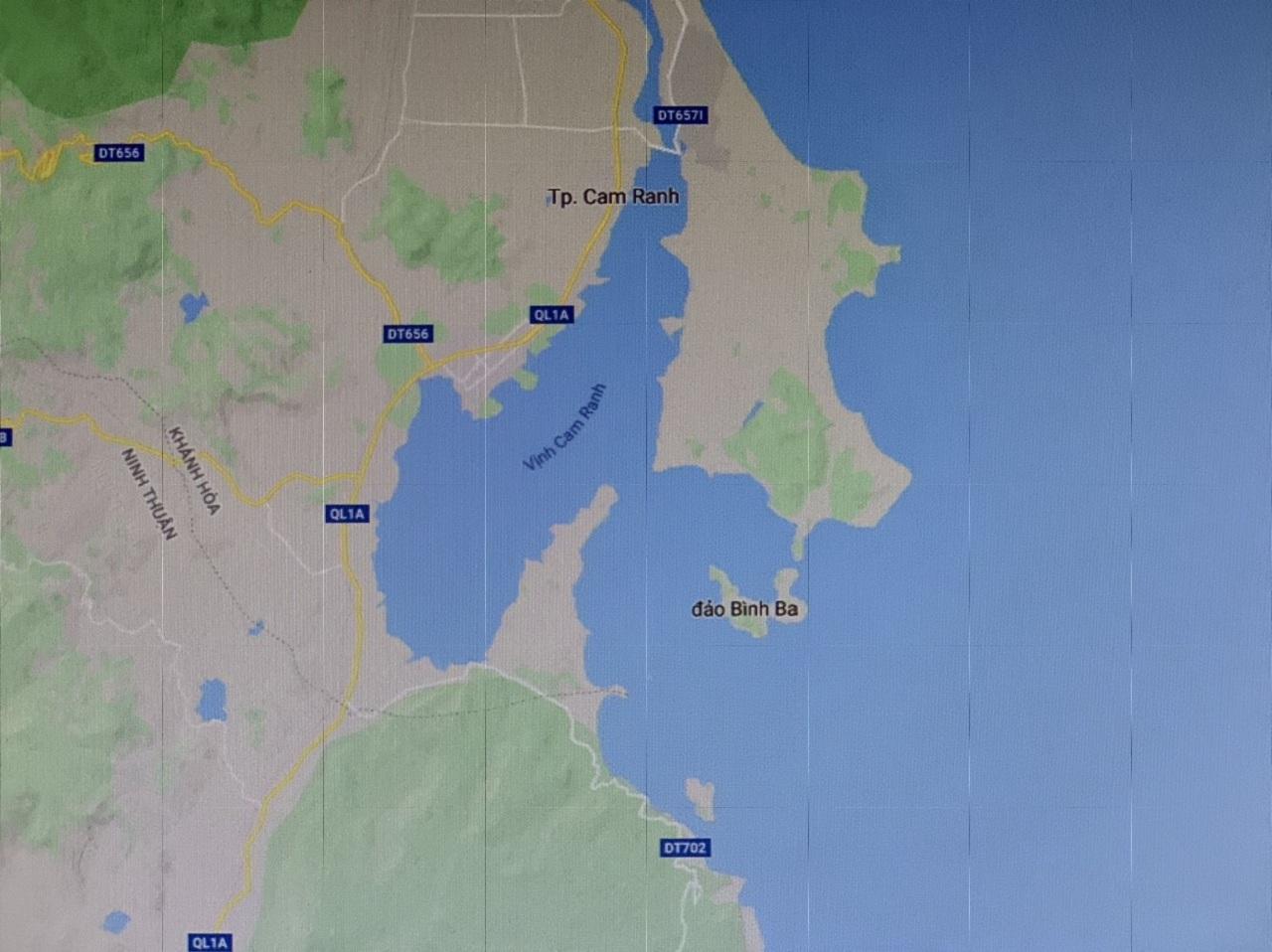 Các Bạn có thể nhìn trên Bản Đồ - Cam Ranh có 1 vị thế biển rất đẹp