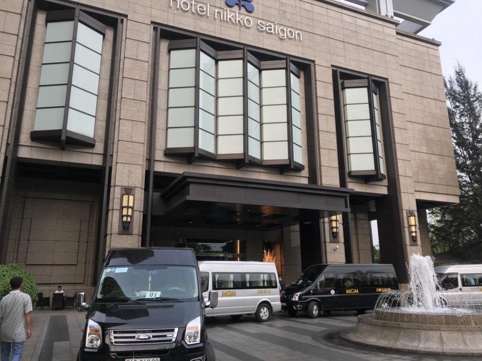 Đoàn xe đang phục vụ Khách tại Khách sạn Nikko 5 sao