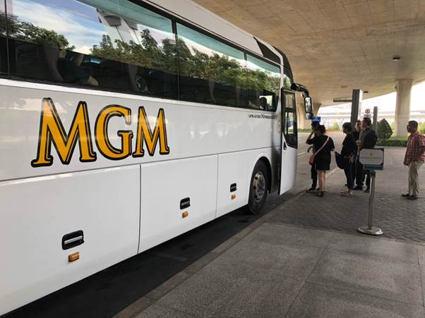 Xe MGM car đón khách hàng