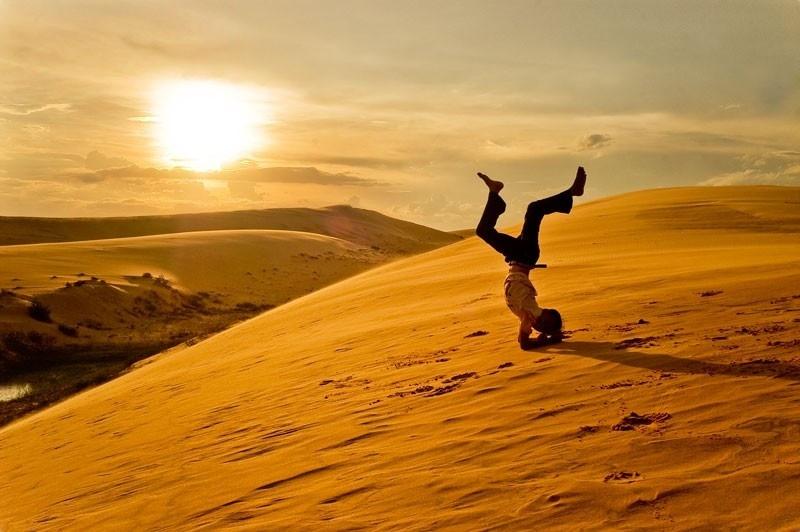 Khung cảnh ảo diệu của đồi cát lúc hoàng hôn